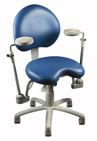 dental chair with fully articulating elbow rests