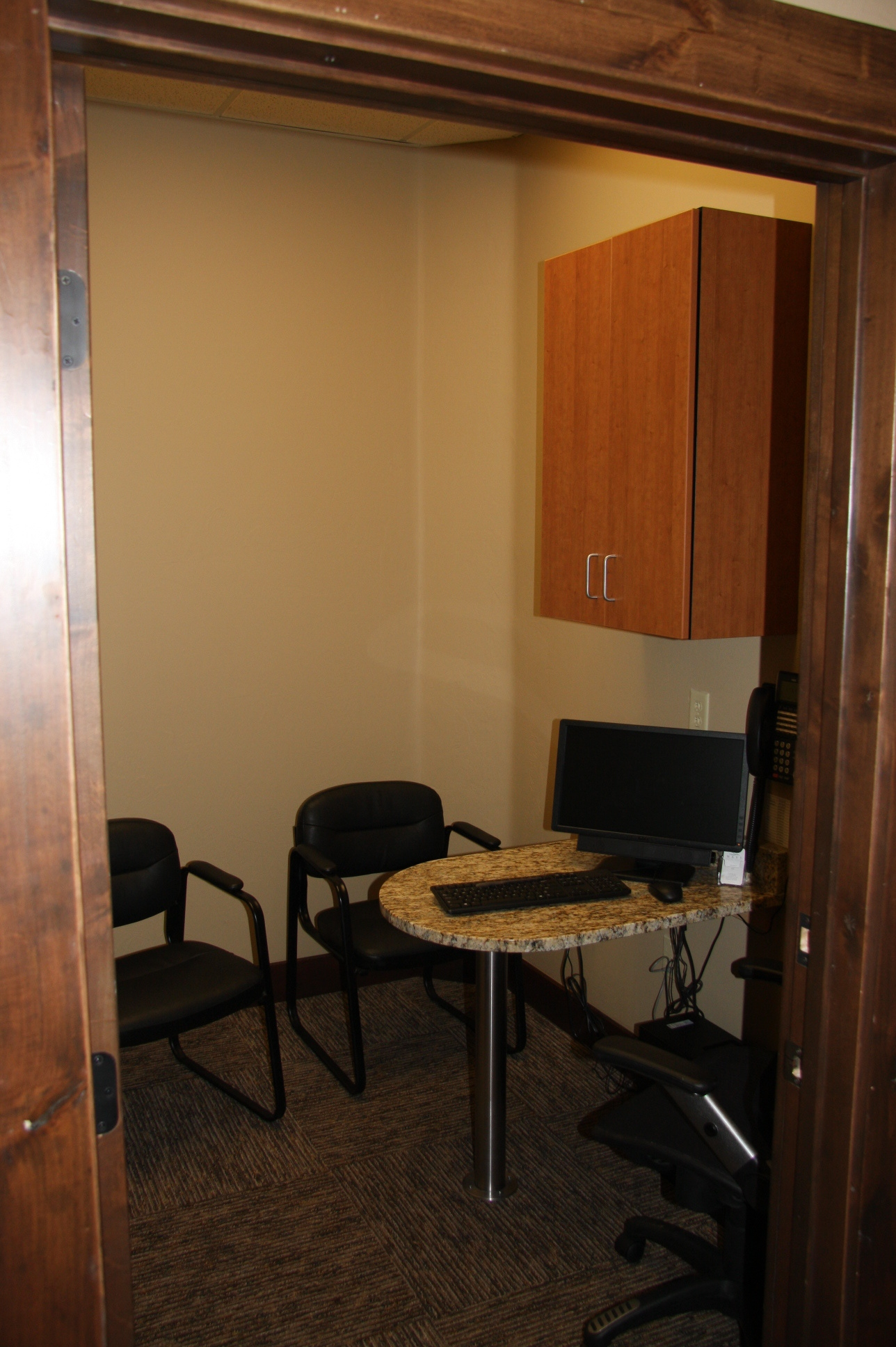 hall-c_business-consult_1