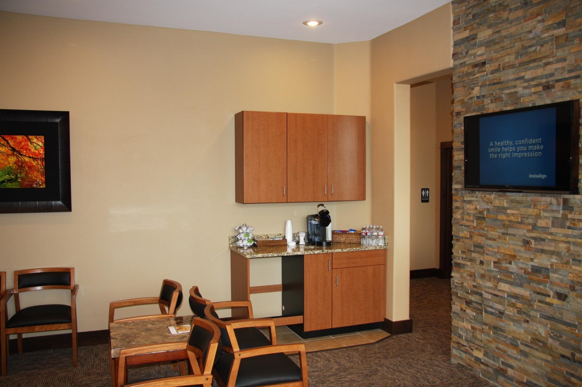 hall-c_patient-amenities_1