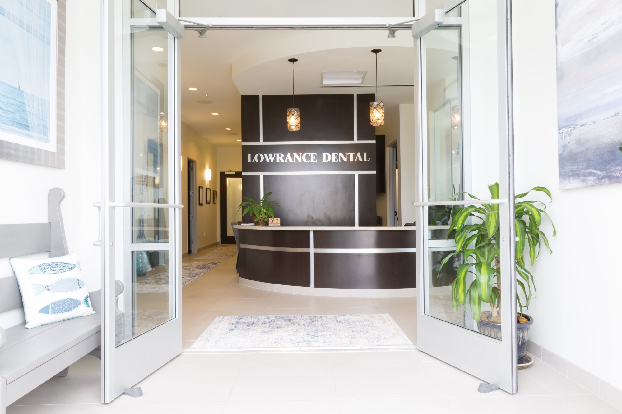 lowrance-s_reception_2