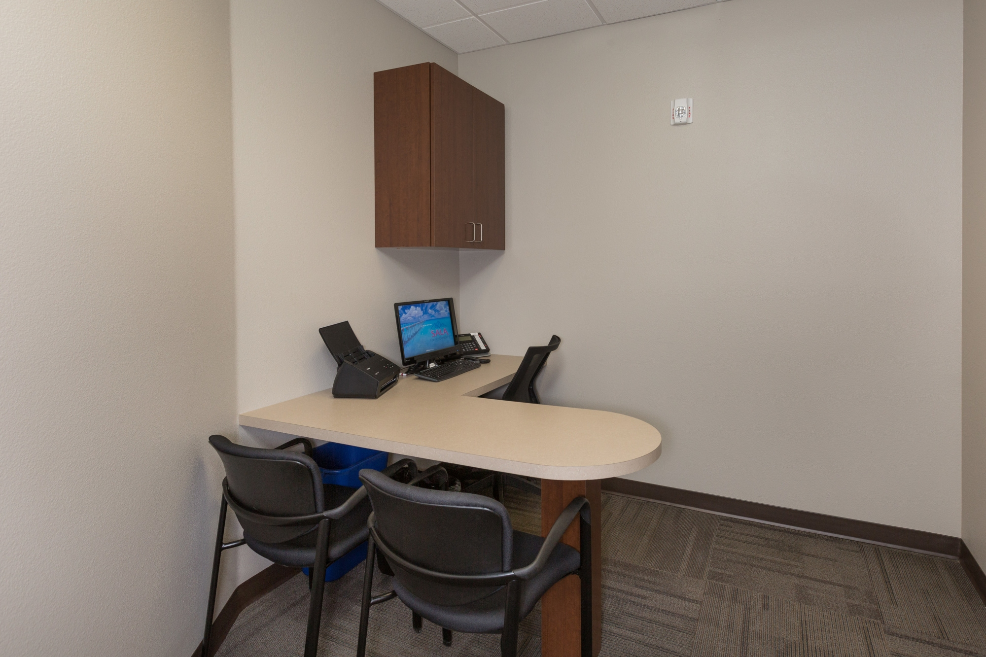 sala-j-t_business-consult_1
