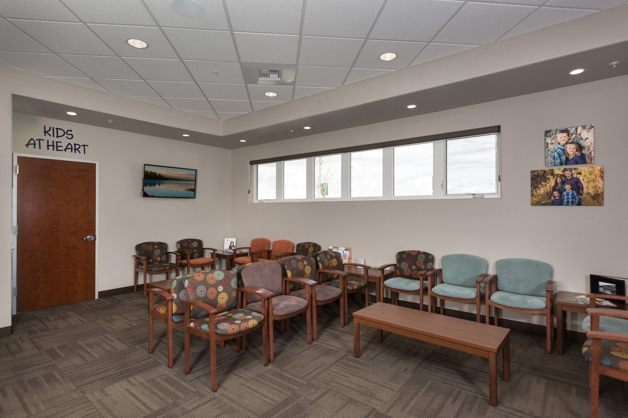 Waiting rooms design ergonomics inc for Sala design